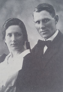 portrait of Jón S. Steinþórsson and wife