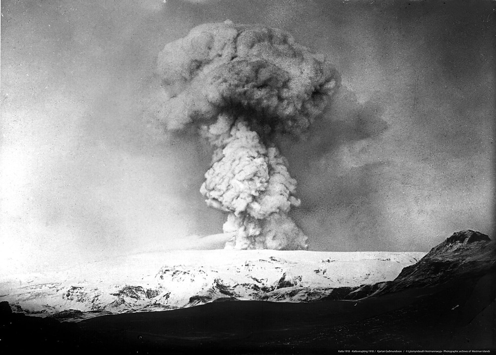 Iceland volcano Katla erupting in 1918. volcanoes in iceland katla volcano iceland during world war one iceland history spanish flu in iceland #iceland #volcanoes #icelandhistory #largevolcanoes #blacksunday #spanisflu #1918influenza