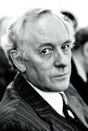 black and white portrait of Ottó A. Michelsen