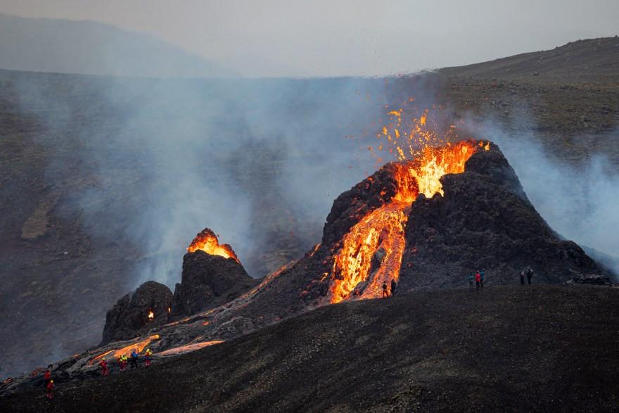 close up image of iceland volcano geldingadalsgos
