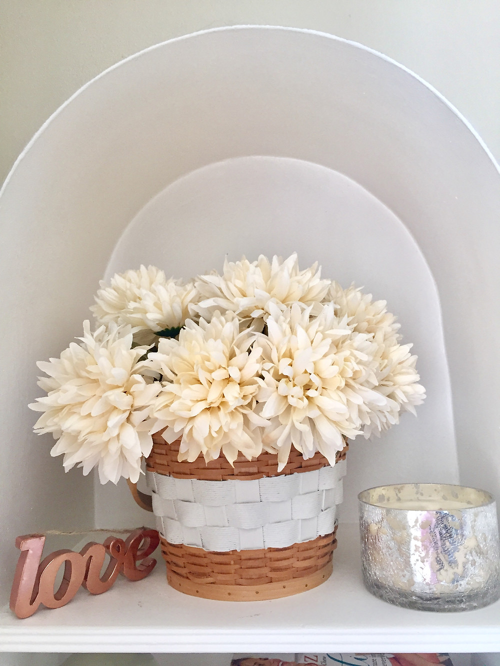 Rustic fall faux farmhouse flower arrangement DIY