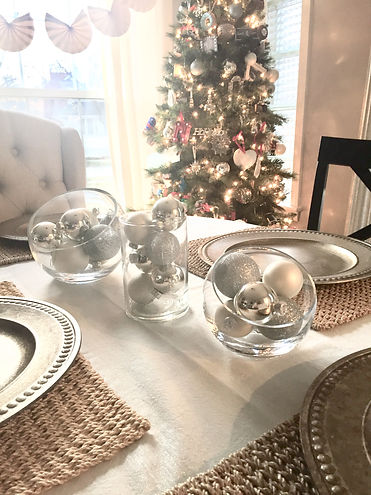Christmas holiday winter table centerpie