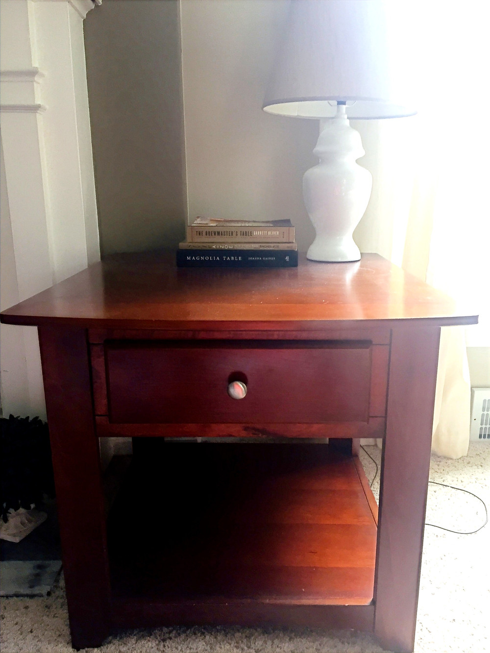 Wood side accent table