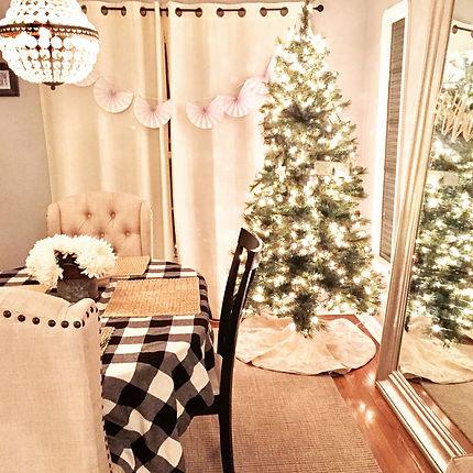 Farmhouse Christmas holiday decor