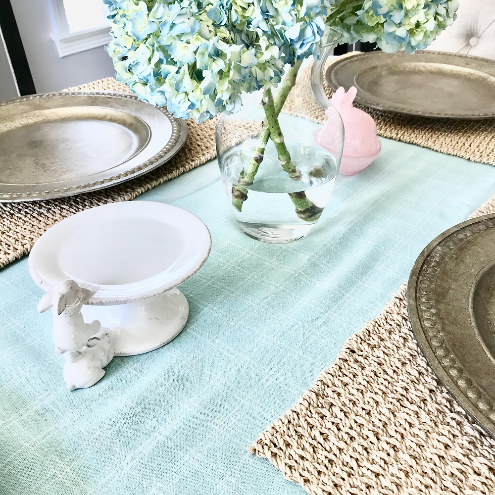 Spring Easter Bunny Dining Table Decor