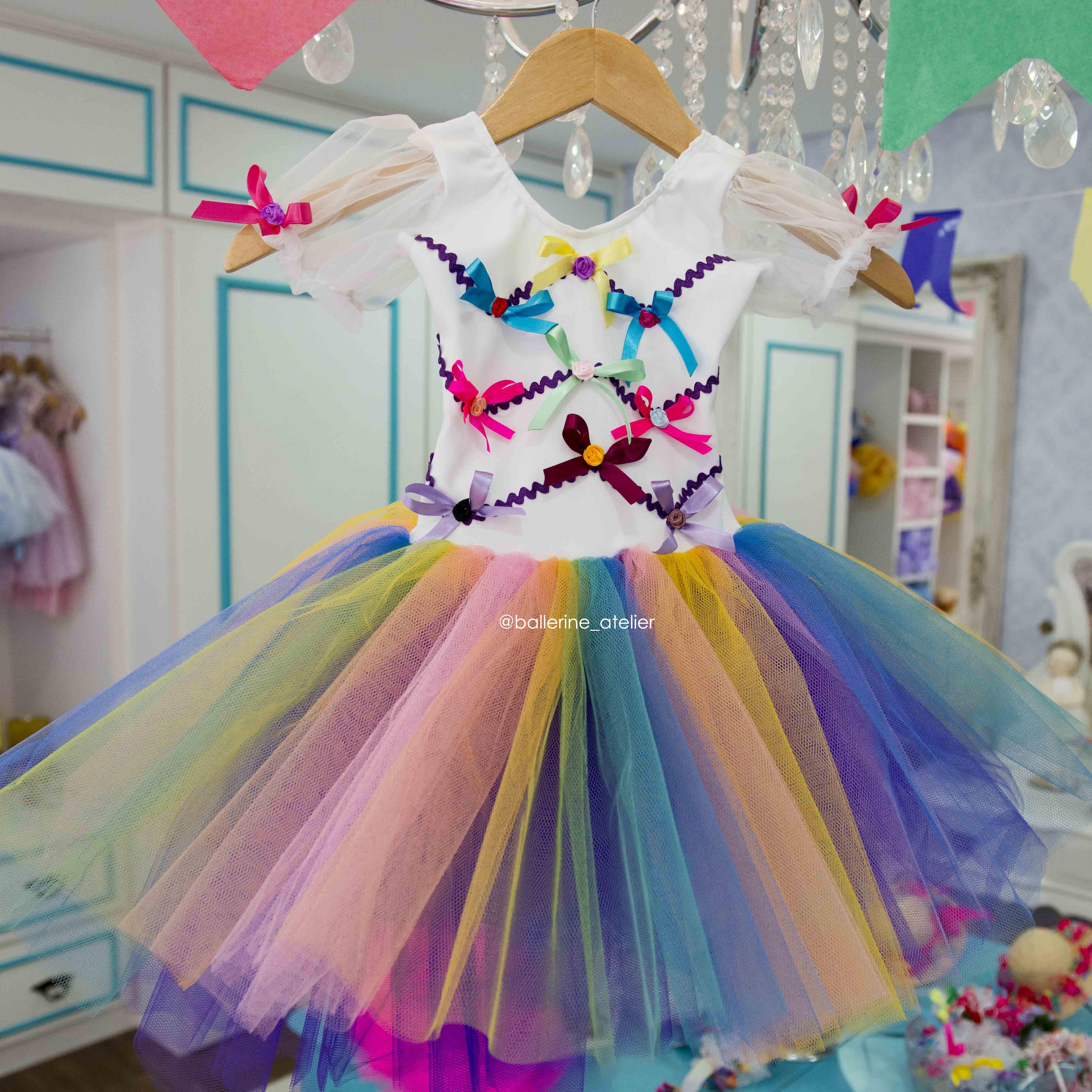 Vestido Clássico Arco Íris