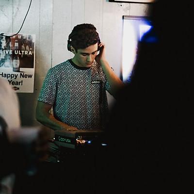 DJ Rayan - High Tide Bar