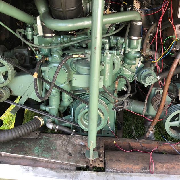 Scenicruiser 8V71 diesel engine