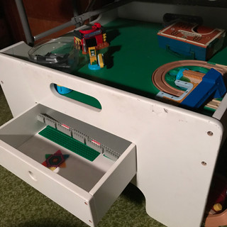 Lego/play table