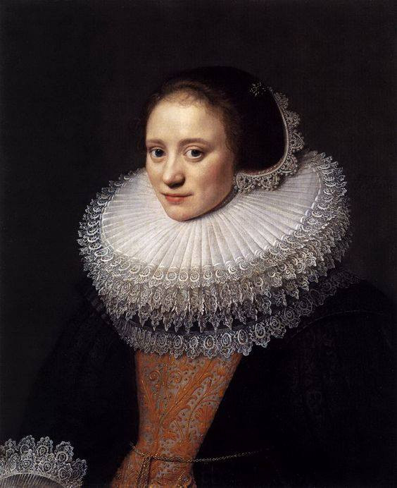LADY with similar outfit