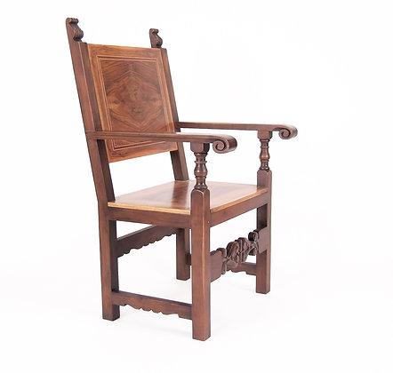 Walnut Renaissance style Chair