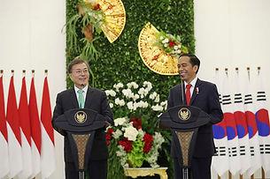 Moon Jae-in dan Jokowi.jpg