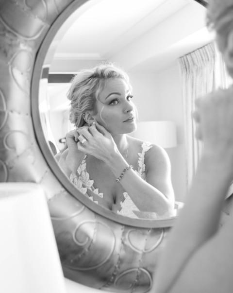 bride in mirror over shoulder.jpeg