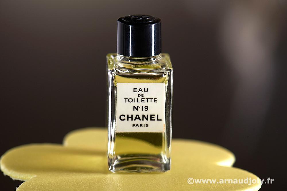 Chanel eau de toilette n°19 Paris