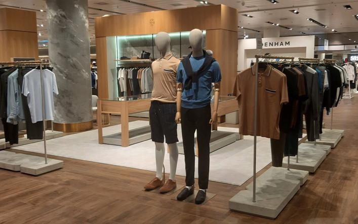 Modefiliale-Ladeneinrichtungen