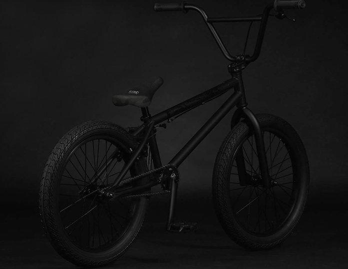 Woofer2022-bmx-bike-rear.jpg
