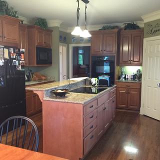 16-103 Kitchen (Before)