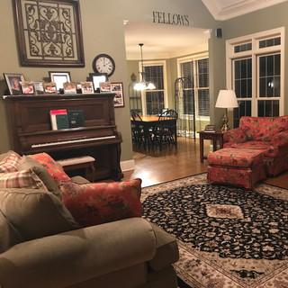 16-103 Family Room (Before)