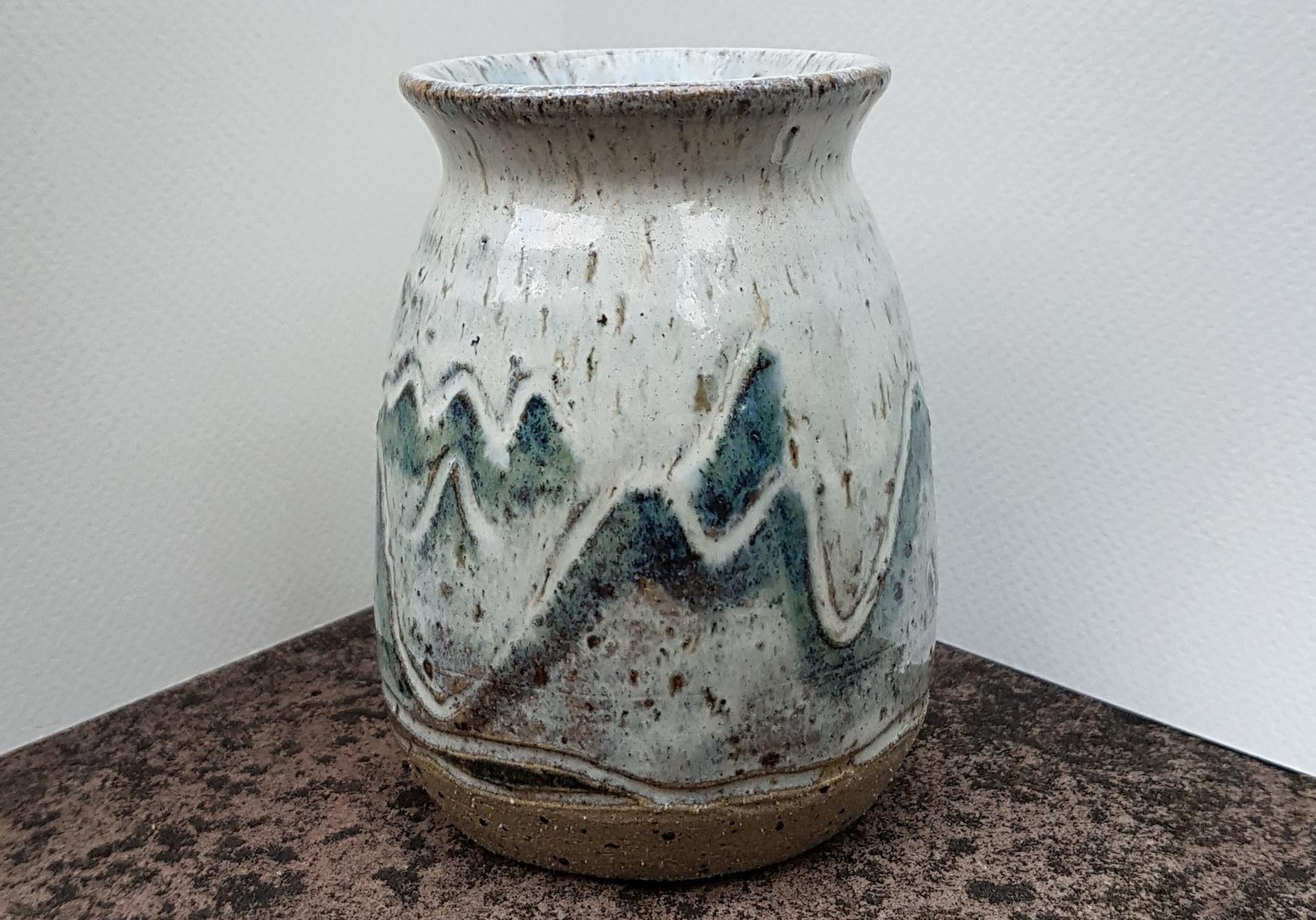 0235 Landscape Vase