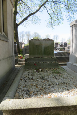 Paris 2018 Pere Lachaise Gertrude and Alice IMG_9981