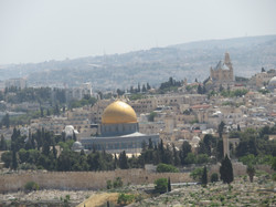 Jerusalem from Mt of Olives. Dome of the Rock mosque built in 7th century. 2017-05-08 235