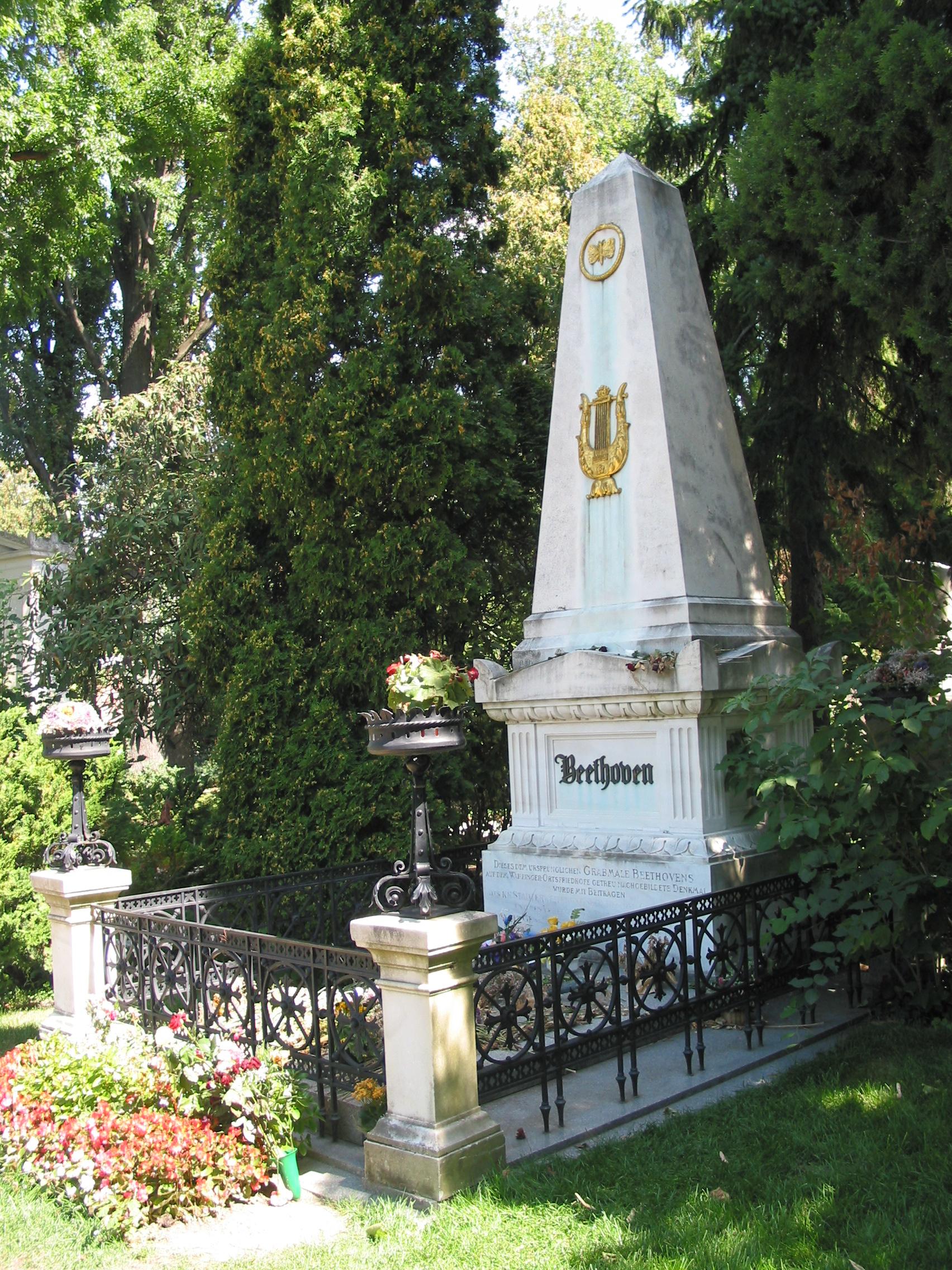 Beethovan grave, Vienna 2003