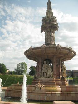 Glasgow Doulton fountain