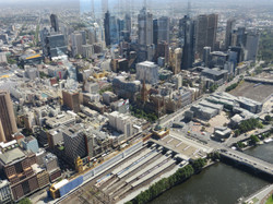 Melbourne Eureka  tower 975 ft best w St Paul Cathedral center R 2016-12-18 064