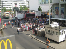 Berlin 7.17 tour checkpoint 051