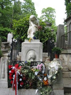 Chopin grave Paris