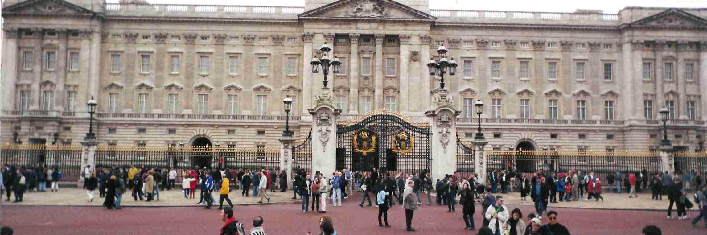 2000 Europe 00 Buckingham London