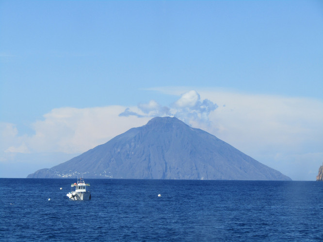 Milazzo ferry best view of Stromboli Italy 2018 IMG_6444.JPG