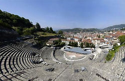 theatre-antique-vienne_edited.jpg