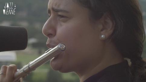 La flutiste Naïssam Jalal à La Bâtie.