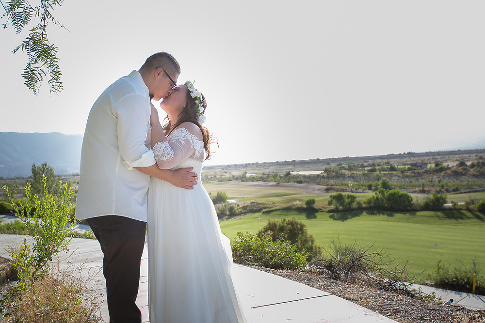 Couple wedding session The links at Summerly