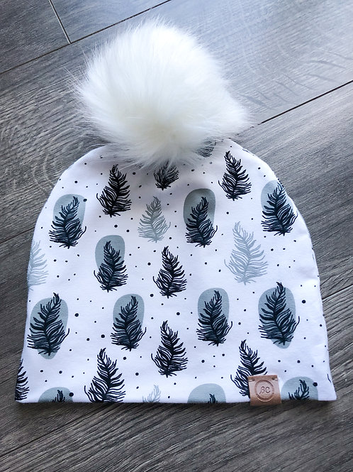 Slouch Beanie w/ Faux Fur Pompom - Winter Feather
