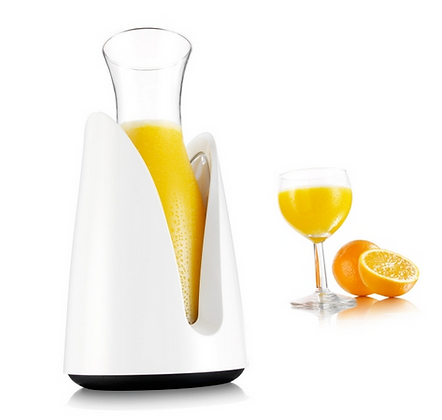 Active Cooling Carafe white