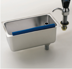 Cleaning sink with tap