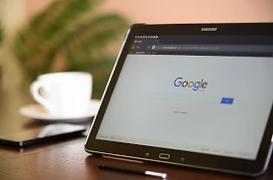 SEO Optimierung mit Tablet.webp