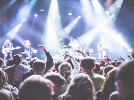 Erst kommt Google, dann die Bühne – SEO, Keywords und SEO-Content für Bands, Musiker und Sängerinnen
