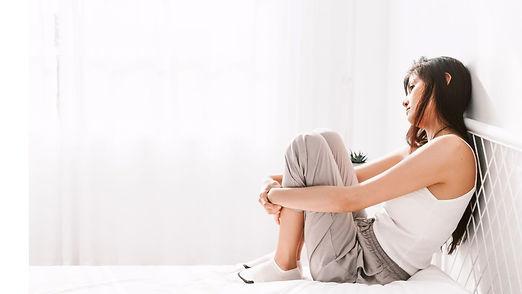 クリーム色と白とグレー 花 ウェルネス セルフケア YouTubeチャンネルアート-2.jpg