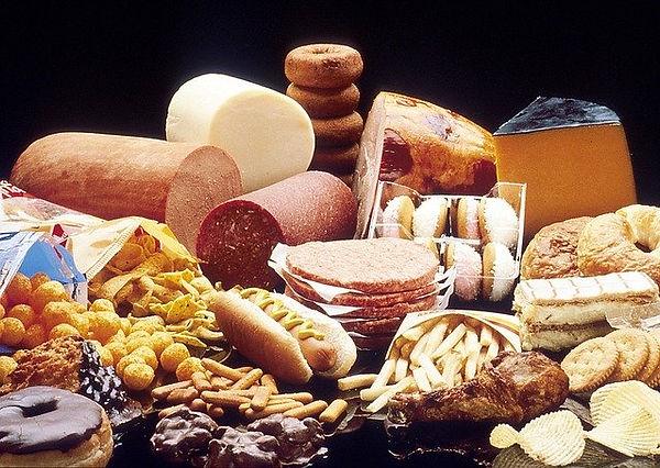 fat-foods-1487599_640.jpg