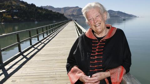 He Raiona i roto i nga Otaota: a new Margaret Mahy