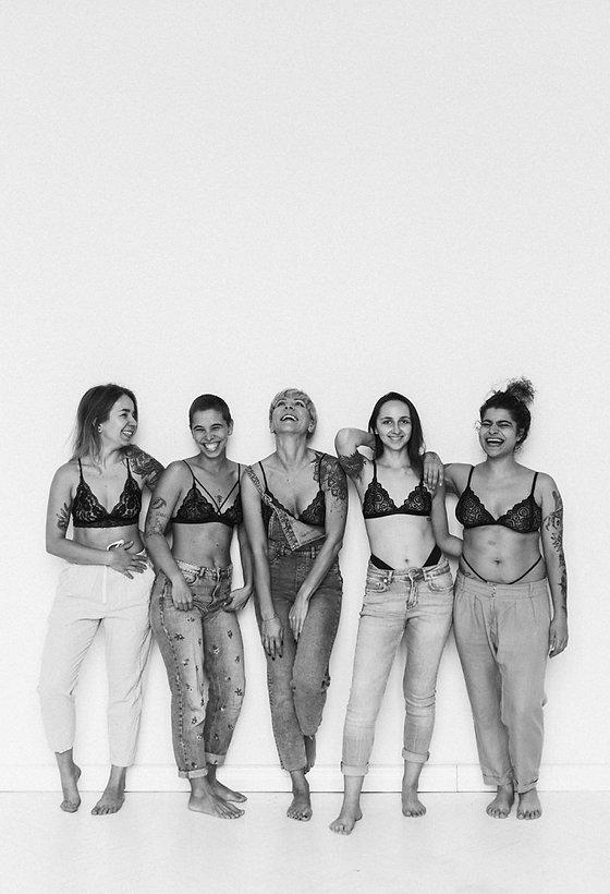 Charlotte Rouge girls 04.jpg