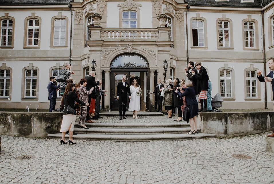 Hochzeit-gesellschaft-Standesamt