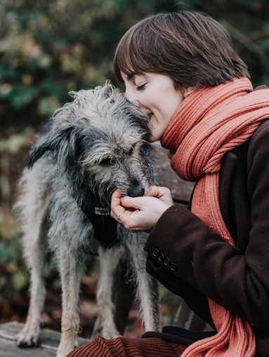 Foto-Hund-Frau-Frankfurt.jpg