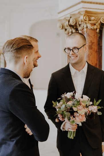 Standesamt-Hochzeit-Männer