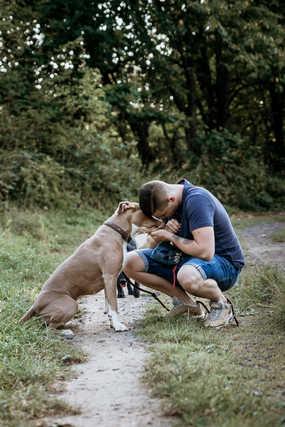 Mann-Hund-Wald-Fotografie