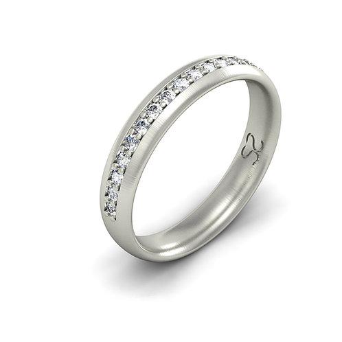 meia aliança em prata e diamantes