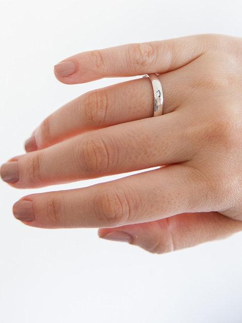 Aliança Laís G em Ouro 18k Com 01 Diamante